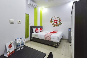 OYO 391 GreenBelt Yogyakarta - Deluxe Double Room Regular Plan