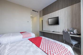 OYO 635 lynt Hotel Makassar - Deluxe Twin Room Regular Plan