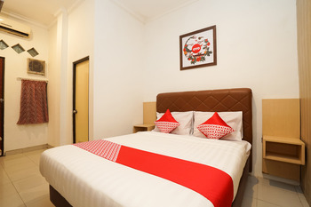 OYO 658 Alibaba Residence Surabaya - Standard Double Room Regular Plan