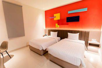 Zoom Dharmahusada Hotel Surabaya - Comfort (Deluxe) Room Only Regular Plan