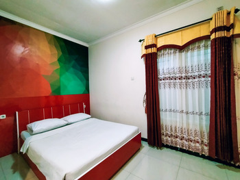 Syariah Guest House Malang - Deluxe Double Regular Plan