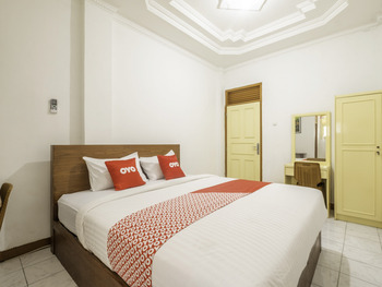 OYO 1285 Wisma Marliando Bandung - Deluxe Double Room Regular Plan