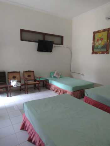 Raya Homestay Klaten Klaten - Deluxe Family Room Only Regular Plan