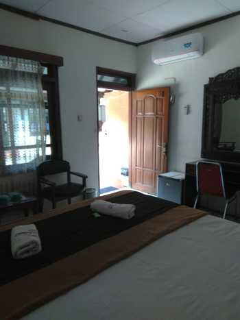 Raya Homestay Klaten Klaten - Deluxe 1 Bedroom Room Only Regular Plan