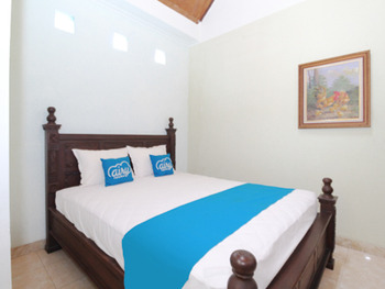 Airy Mantrijeron Panjaitan 51 Yogyakarta - Standard Double Room with Breakfast Special Promo Jan 5