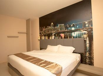 D'vin Hotel Batam - Express Room Twin Only Save 25% With 10% Spa Discount