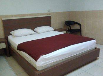 Hotel Arowana  Jember - Suite Room [RR] Regular Plan