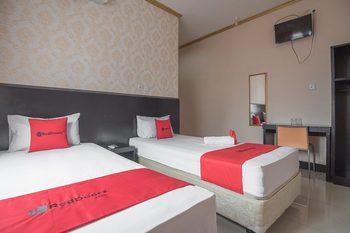 RedDoorz near Hermina Hospital Palembang  Palembang - RedDoorz Twin Room with Breakfast Regular Plan