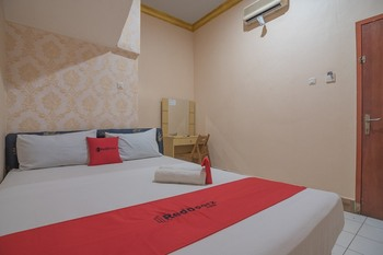RedDoorz near Hermina Hospital Palembang  Palembang - RedDoorz Room Regular Plan
