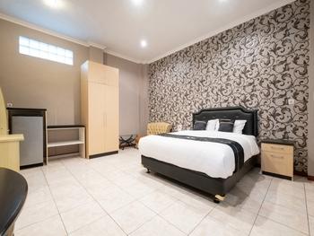 OYO 2469 Cashlez Homestay Yogyakarta - Suite Double Regular Plan