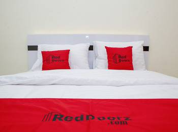 RedDoorz Apartment @ Tamansari Panoramic Soekarno Hatta Bandung - RedDoorz Room Basic Deal