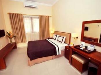 Rosalia Indah Hotel Yogyakarta - Deluxe Room Only Regular Plan