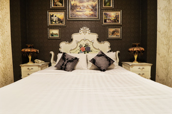 The Victoria Luxurious Guest House Bandung - Suite Room - Room Only (Non-Refundable) Minimum Stay 3 Days 44%