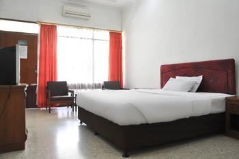 Hotel Aman Karanganyar Kebumen - Superior Double  Regular Plan