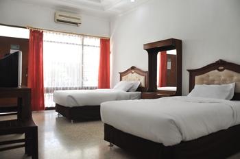 Hotel Aman Karanganyar Kebumen - Superior Twin Regular Plan