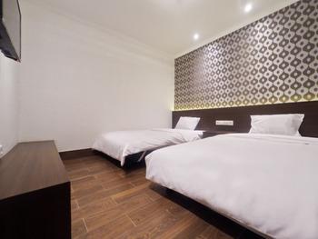 Hotel Aman Karanganyar Kebumen - Superior Sakura Twin Regular Plan