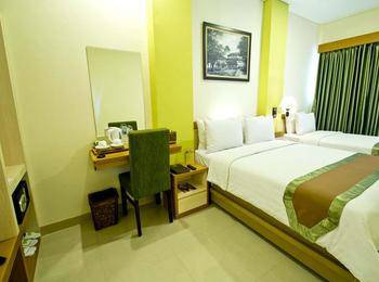 De Batara Hotel Bandung - Family Deluxe (3 Pax) With Breakfast Regular Plan