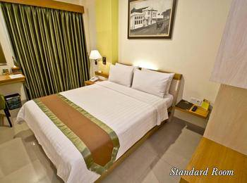 De Batara Hotel Bandung - Standard Double Room Only Longstay Deals!