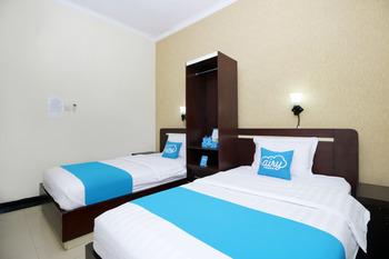 Airy Syariah Klojen Bandung 20 Malang - Deluxe Twin Room Only Special Promo Mar 5