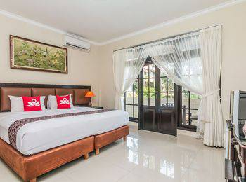ZenRooms Seminyak Taman Petitenget Bali - Double Room Only Regular Plan