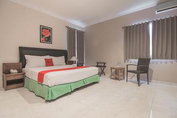 RedDoorz Plus near Parahyangan University 3 Bandung - RedDoorz Family Room with Breakfast Regular Plan