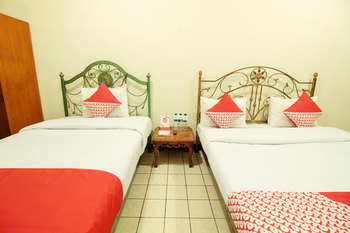 OYO 249 Hotel Astria Graha Bandung - Suite Family Regular Plan