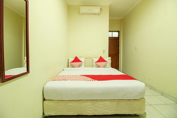 OYO 249 Hotel Astria Graha Bandung - Standard Double Room Regular Plan