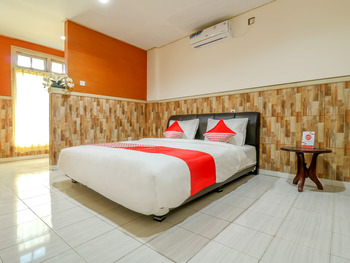 OYO 2580 Hotel Puri Royan Bali - Deluxe Double Room Regular Plan