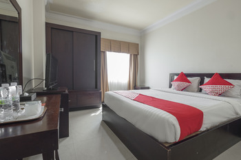 OYO 1114 Hotel Denpasar Makassar Makassar - Standard Double Room Regular Plan
