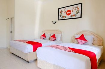 OYO 930 Griya Imafa Malang - Suite Triple Regular Plan