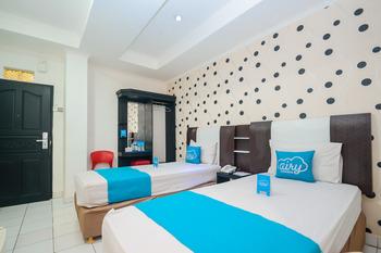 Airy Wajo Tanimbar 8 Makassar - Superior Twin Room with Breakfast Regular Plan