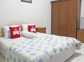 ZenRooms Near Gandaria Utara Jakarta - Double Room Regular Plan