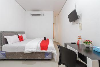 RedDoorz Syariah near RSU Suaka Insan Banjarmasin - RedDoorz Room with Breakfast AntiBoros