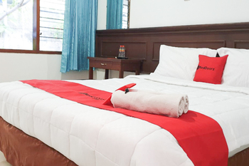 RedDoorz near Bojonegoro Train Station Bojonegoro - RedDoorz Room Basic Deals 5%