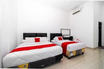 RedDoorz near Makassar Town Square 2 Makassar - RedDoorz Twin Room 24 Hours Deal