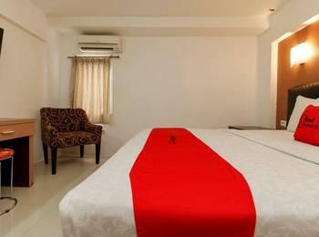 RedDoorz Plus near Karebosi Area Makassar - RedDoorz Room Regular Plan