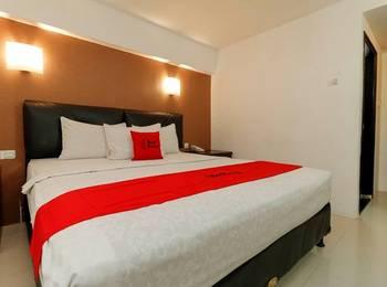 RedDoorz Plus @ Grand Populer Hotel