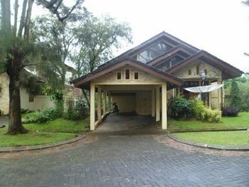 Villa Kota Bunga Allamanda
