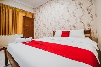 RedDoorz Plus @ Jalan Parangtritis 2 Yogyakarta - RedDoorz SALE 125K Regular Plan