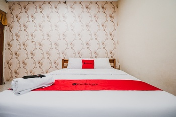 RedDoorz Plus @ Jalan Parangtritis 2 Yogyakarta - RedDoorz Room Last Minute Deal