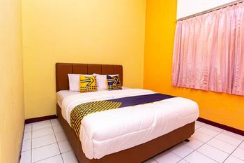 SPOT ON 2697 Homy House Semarang - SPOT ON Double Room Regular Plan