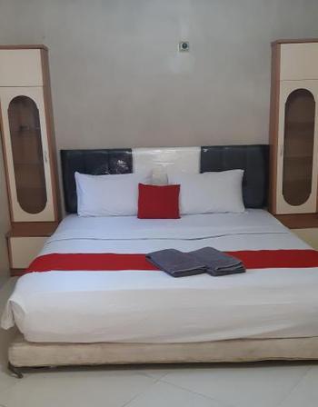 Guest House Pondok Padang - Superior Room Longstay