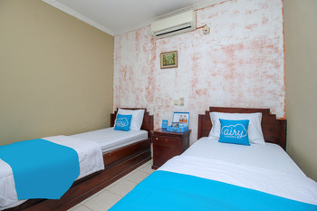 Airy Eco Syariah Sawojajar 36 Bogor Bogor - Deluxe Twin Room with Breakfast Regular Plan