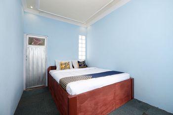 SPOT ON 2112 Homestay Lestari Dieng Syariah Wonosobo - Standard Double Room Big Deals