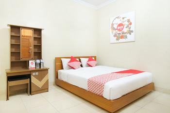 OYO 398 Hotel Family Syariah 2 Yogyakarta - Deluxe Double Room Regular Plan
