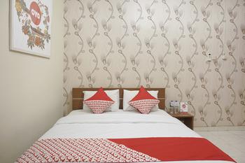 OYO 398 Hotel Family Syariah 2 Yogyakarta - Standard Double Room Regular Plan