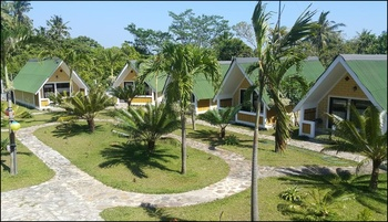 CasaVelion Cottages Jepara - Cottage with Mountain View Regular Plan