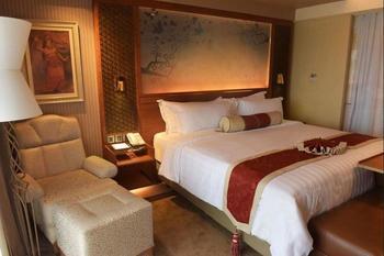 SereS Springs Resort & Spa Singakerta Bali - Deluxe Premium King Pool Access with Outdoor Soaking Tub Pesan lebih awal dan hemat 25%