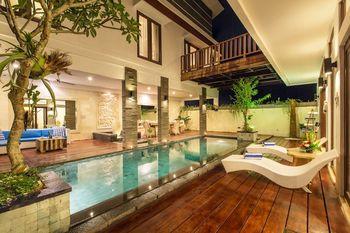 Villa Club Corner