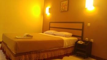 Lestari Hotel & Resto Jember - Standard Room Regular Plan